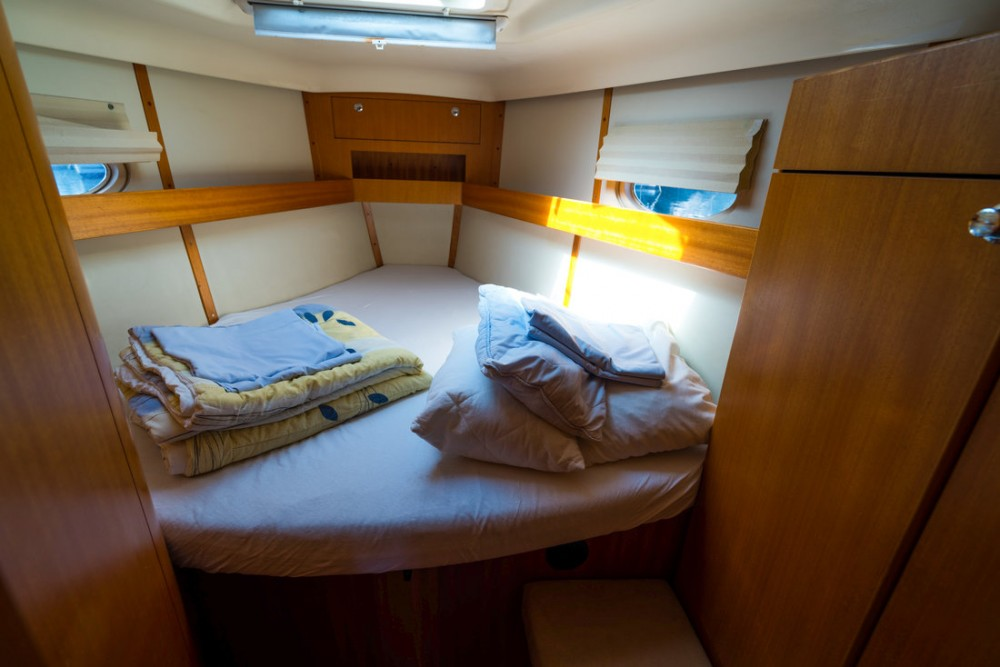 Boat rental  cheap Elan 434