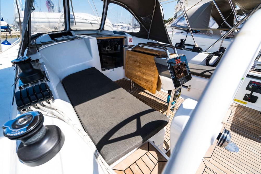 Rental yacht  - Hanse Hanse 345 on SamBoat