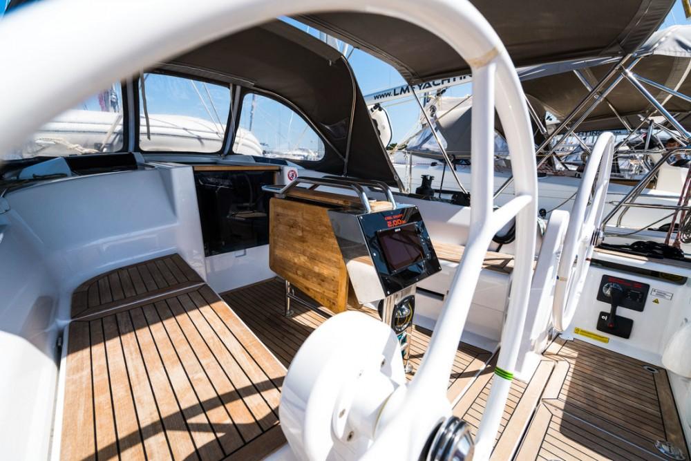 Rental Sailboat in  - Hanse Hanse 345