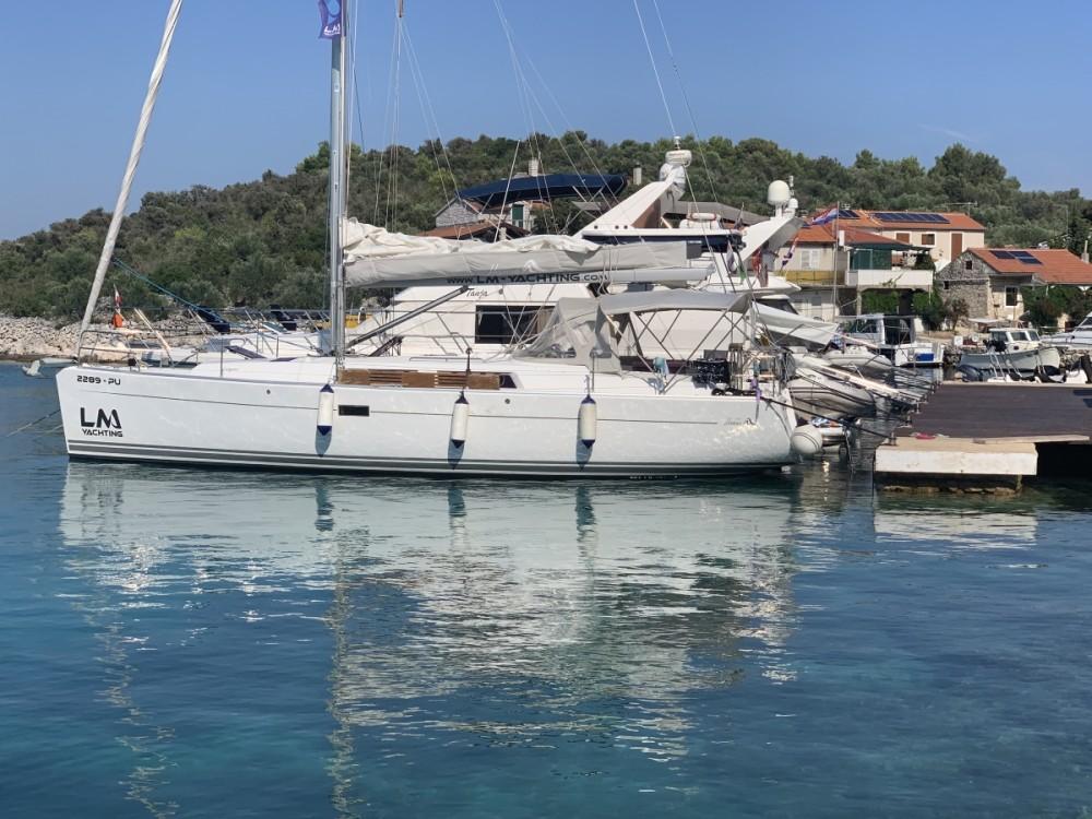 Boat rental Hanse Hanse 400 in  on Samboat