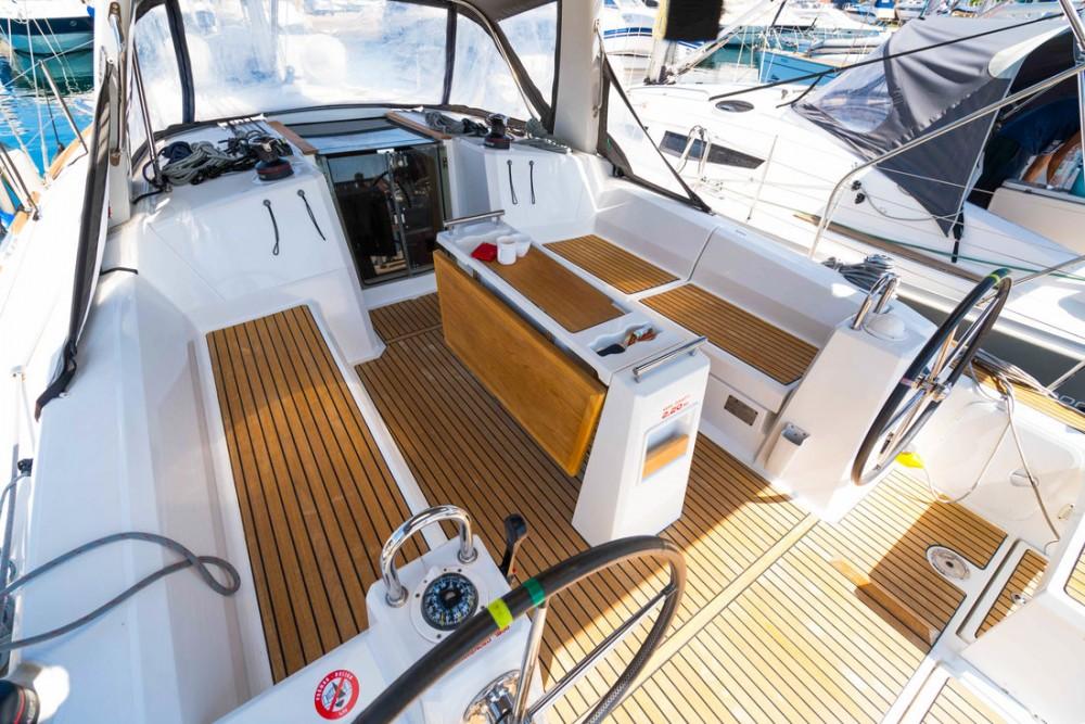 Rent a Bénéteau Oceanis 38 Croatia