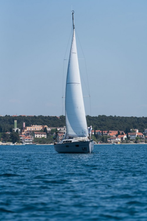 Bénéteau Oceanis 38 between personal and professional Croatia