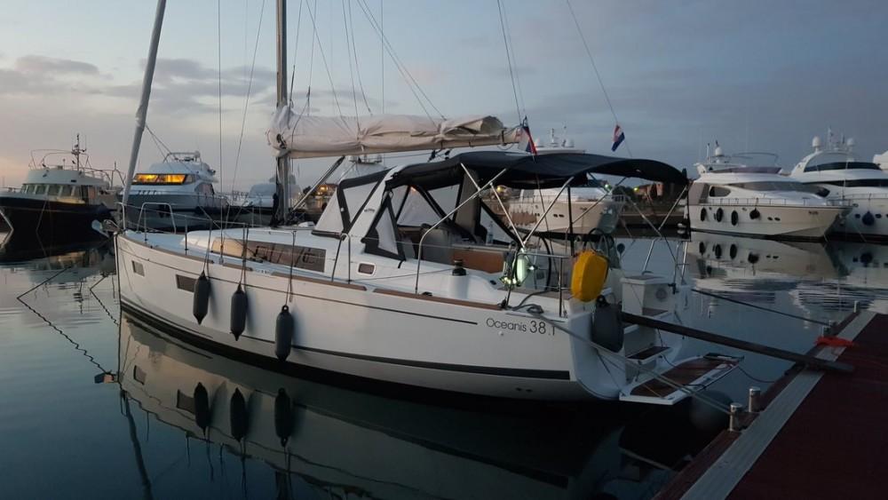 Rental Sailboat in Croatia - Bénéteau Oceanis 38.1