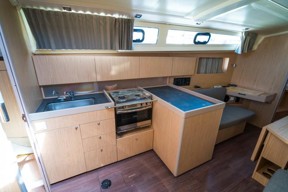 Rental yacht  - Bénéteau Oceanis 41.1 on SamBoat