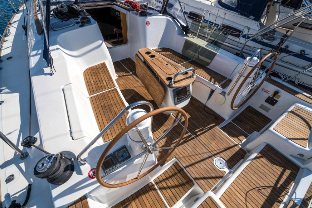 Boat rental Jeanneau Sun Odyssey 42i in  on Samboat