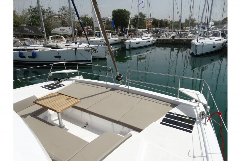 Boat rental Catana Bali 4.1 - 4 + 2 cab. in Municipality of Kos on Samboat