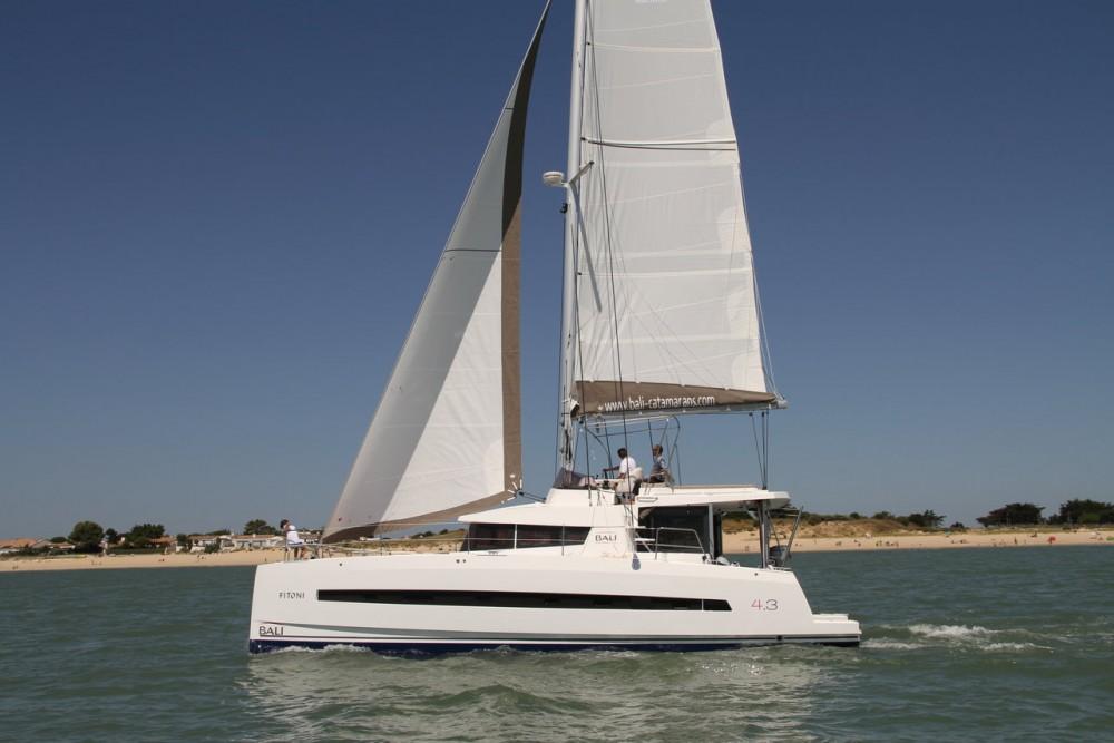 Rental Catamaran in Peloponnese - Catana Bali 4.3 - 4 + 2 cab.