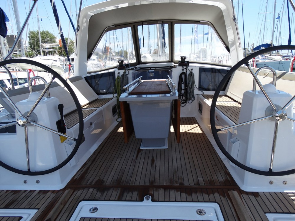 Rental Sailboat in Lefkada - Bénéteau Oceanis 41.1