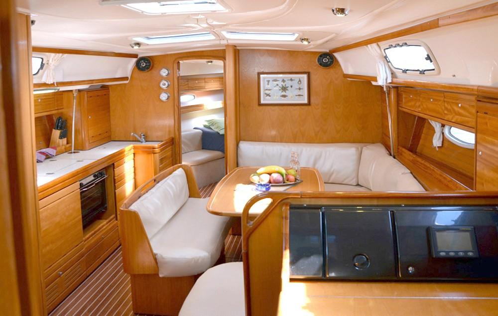 Rental yacht Peloponnese - Bavaria Cruiser 39 on SamBoat