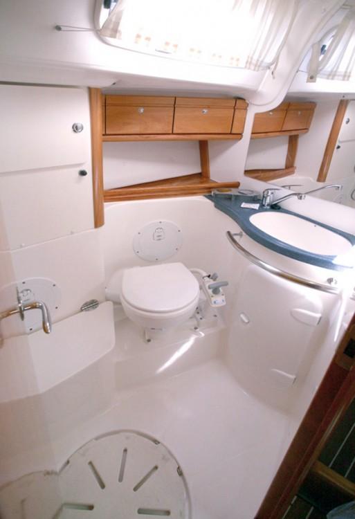 Rent a Bavaria Cruiser 50 Peloponnese