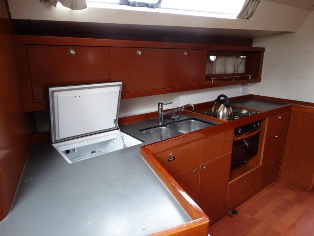 Rental Sailboat in Corfu - Bénéteau Oceanis 45