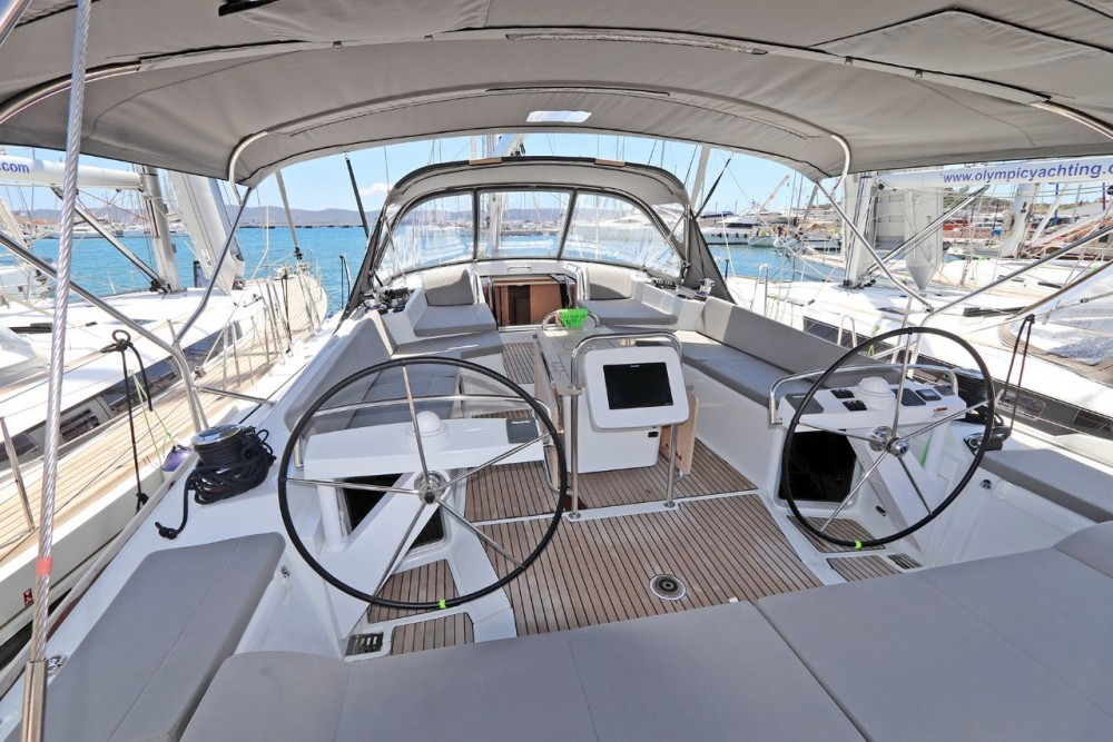 Boat rental  cheap Jeanneau 58