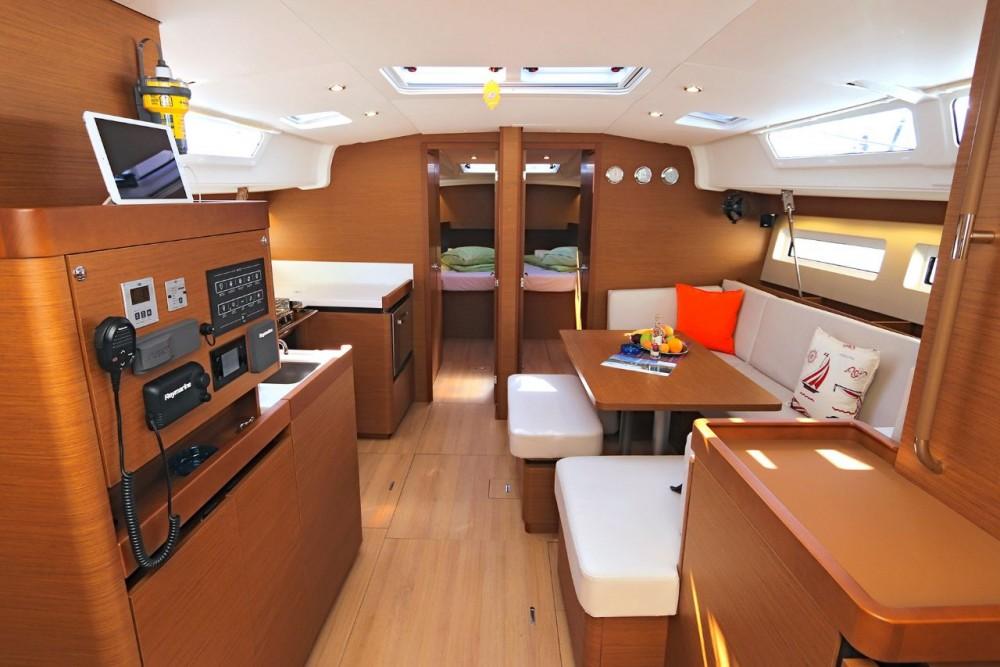 Rent a Jeanneau Sun Odyssey 490 - 5 cab. Peloponneso