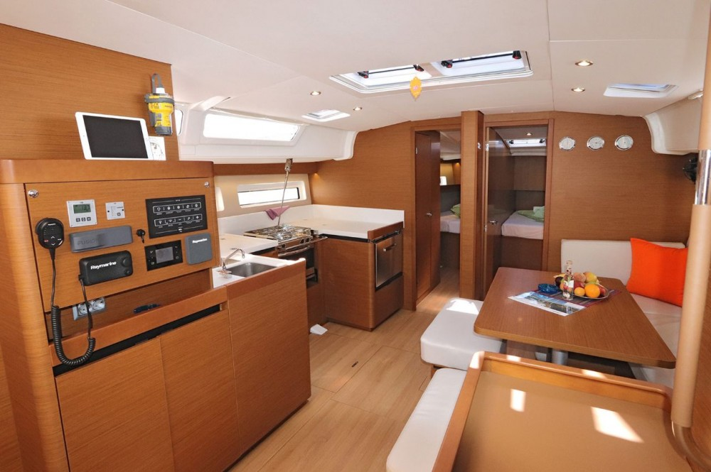 Rental yacht  - Jeanneau Sun Odyssey 490 - 5 cab. on SamBoat