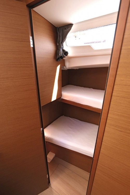 Jeanneau Sun Odyssey 490 - 5 cab. between personal and professional Peloponneso