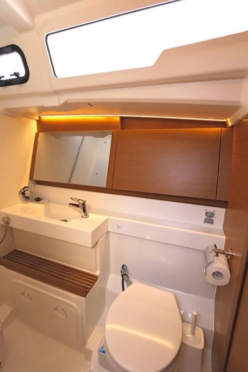 Boat rental Jeanneau Sun Odyssey 490 - 5 cab. in Peloponneso on Samboat