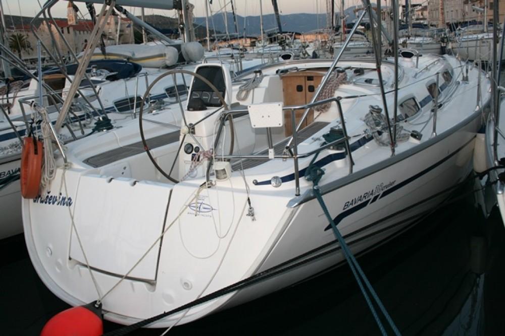 Rental Sailboat in Seget Donji - Bavaria Cruiser 38