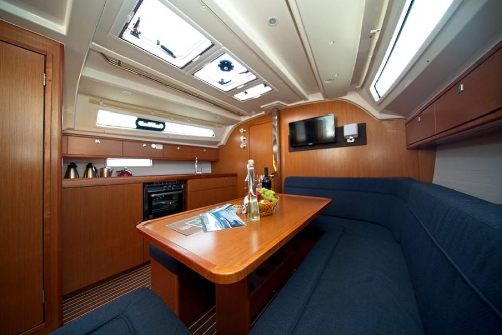 Rental Sailboat in Murter - Bavaria Cruiser 41