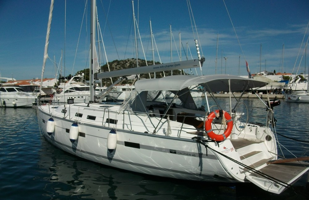 Rental yacht Murter - Bavaria Cruiser 45 on SamBoat