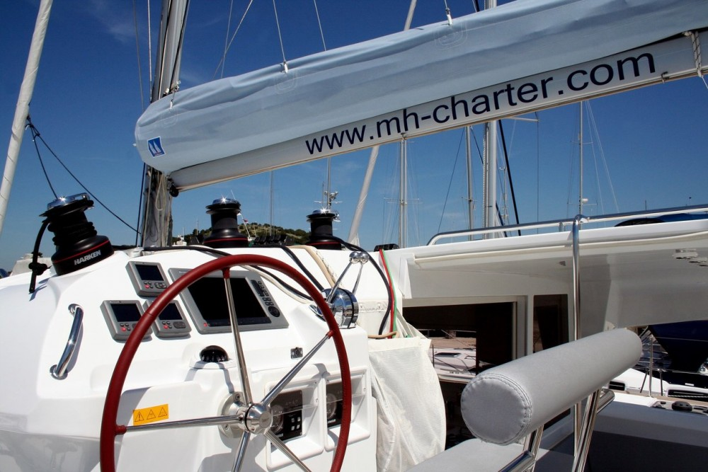 Hire Catamaran with or without skipper Lagoon Murter