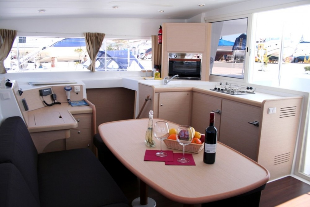 Rental Catamaran in Murter - Lagoon Lagoon 400