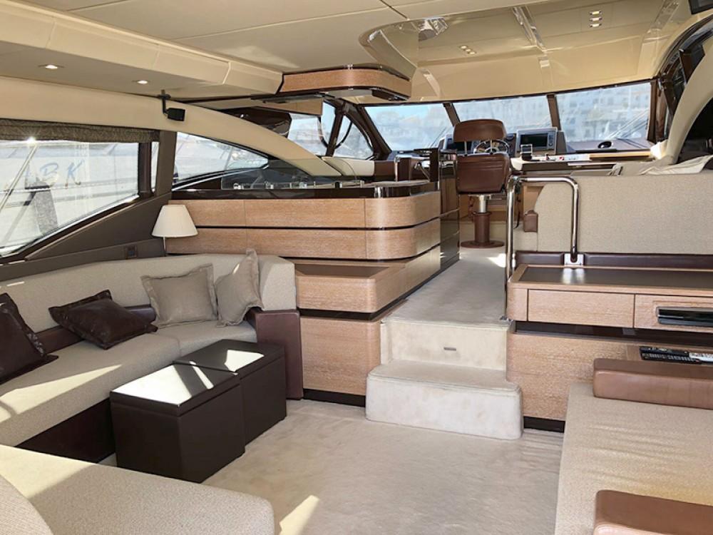 Rent a Azimut-Benetti-Yachts Azimut 58 Šibenik