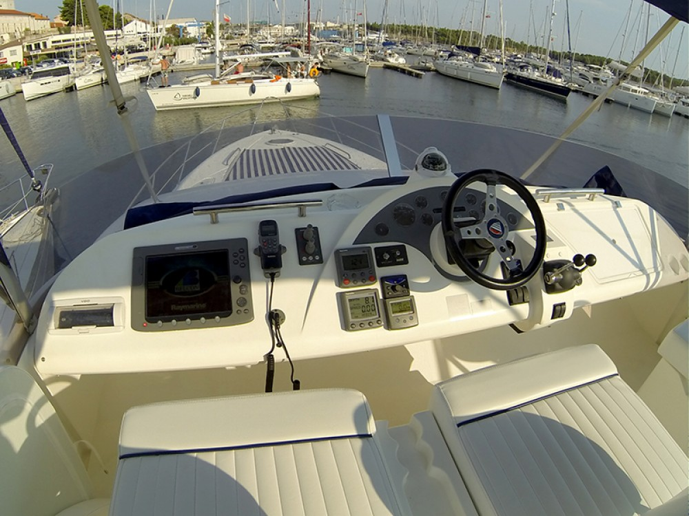 Fairline-Boats Fairline Phantom 50 between personal and professional Šibenik