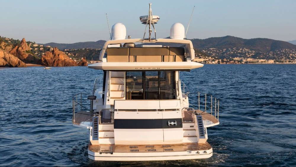 Boat rental Galeon Galeon 460 Fly in Šibenik on Samboat