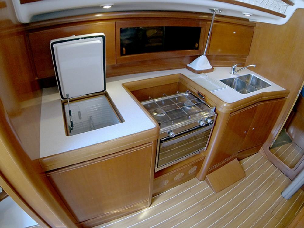 Boat rental Cantiere Del Pardo Grand Soleil 37 R in Šibenik on Samboat