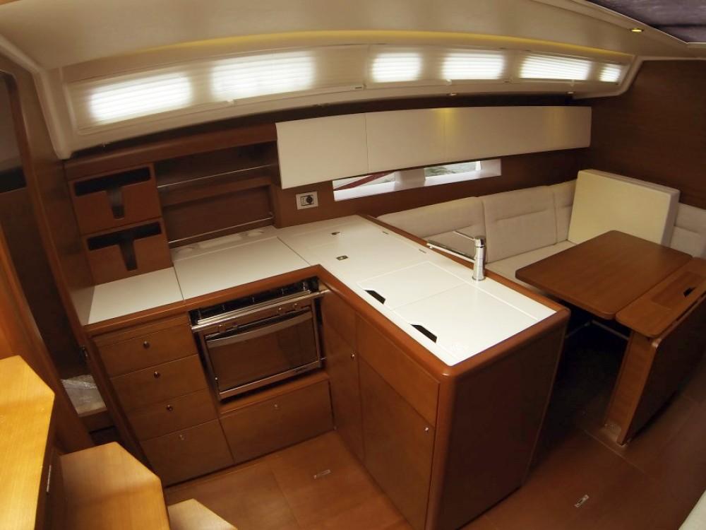 Rental yacht Šibenik - Cantiere Del Pardo Grand Soleil 39 on SamBoat