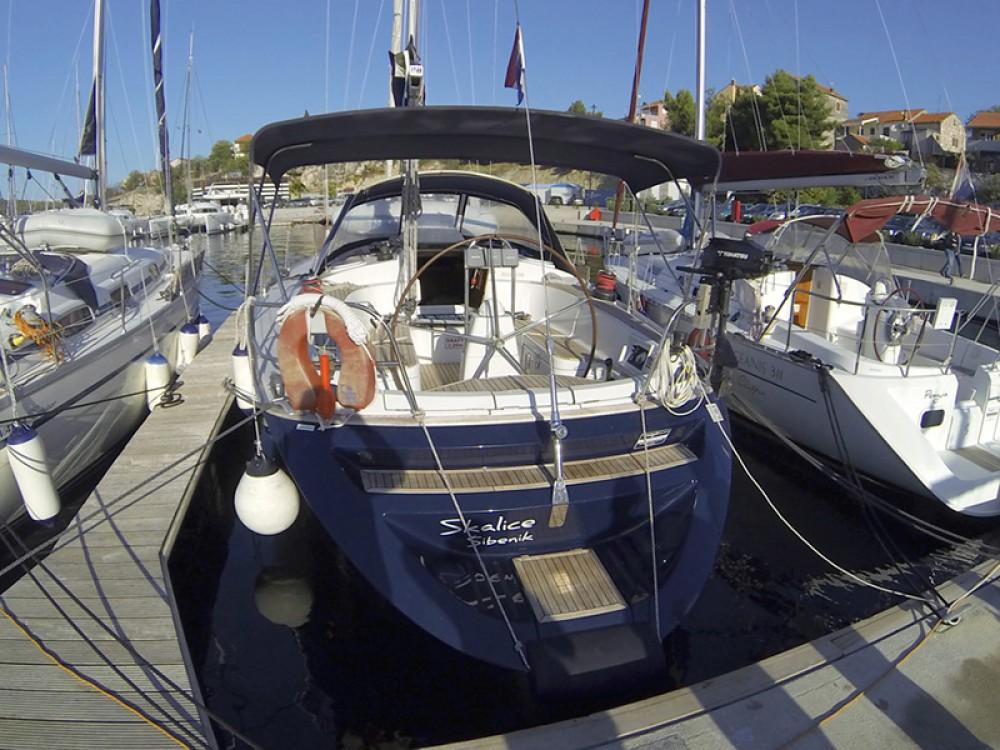 Boat rental Cantiere Del Pardo Grand Soleil 43 in Šibenik on Samboat