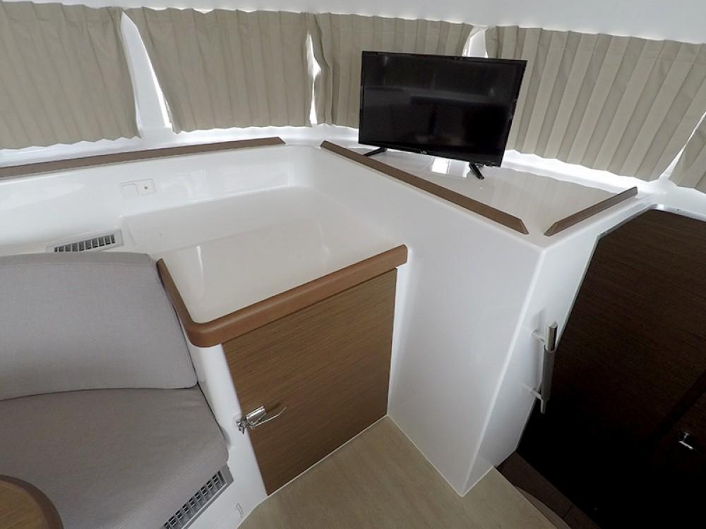 Rental yacht Šibenik - Lagoon Lagoon 380 on SamBoat