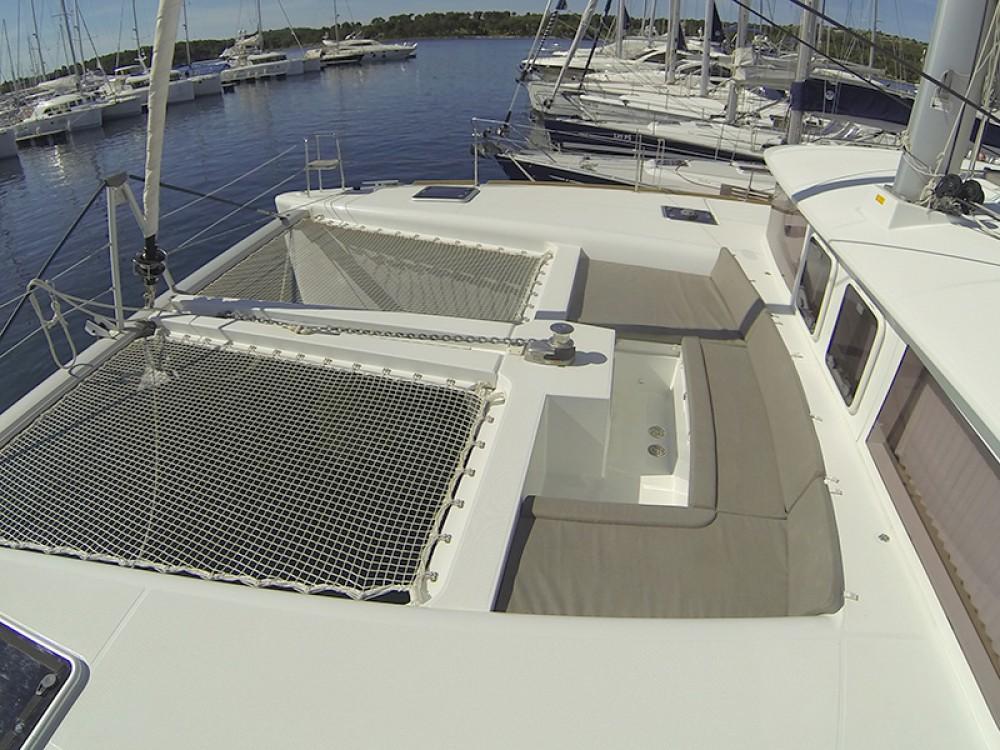 Boat rental Šibenik cheap Lagoon 450
