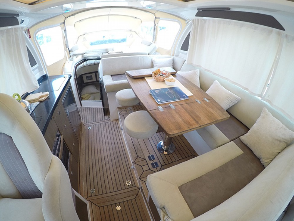 Marex Marex 370 ACC between personal and professional