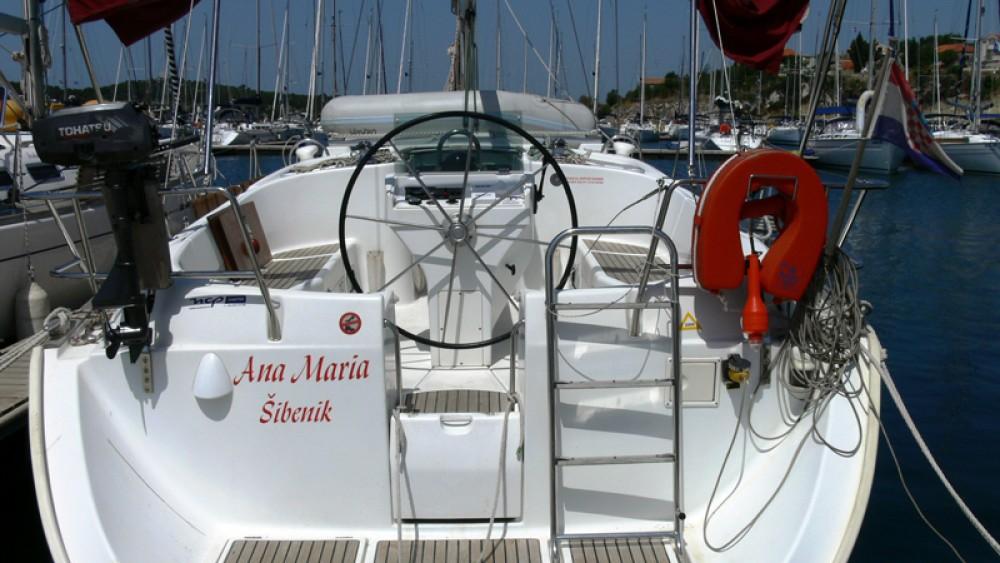 Boat rental Bénéteau Oceanis in Šibenik on Samboat
