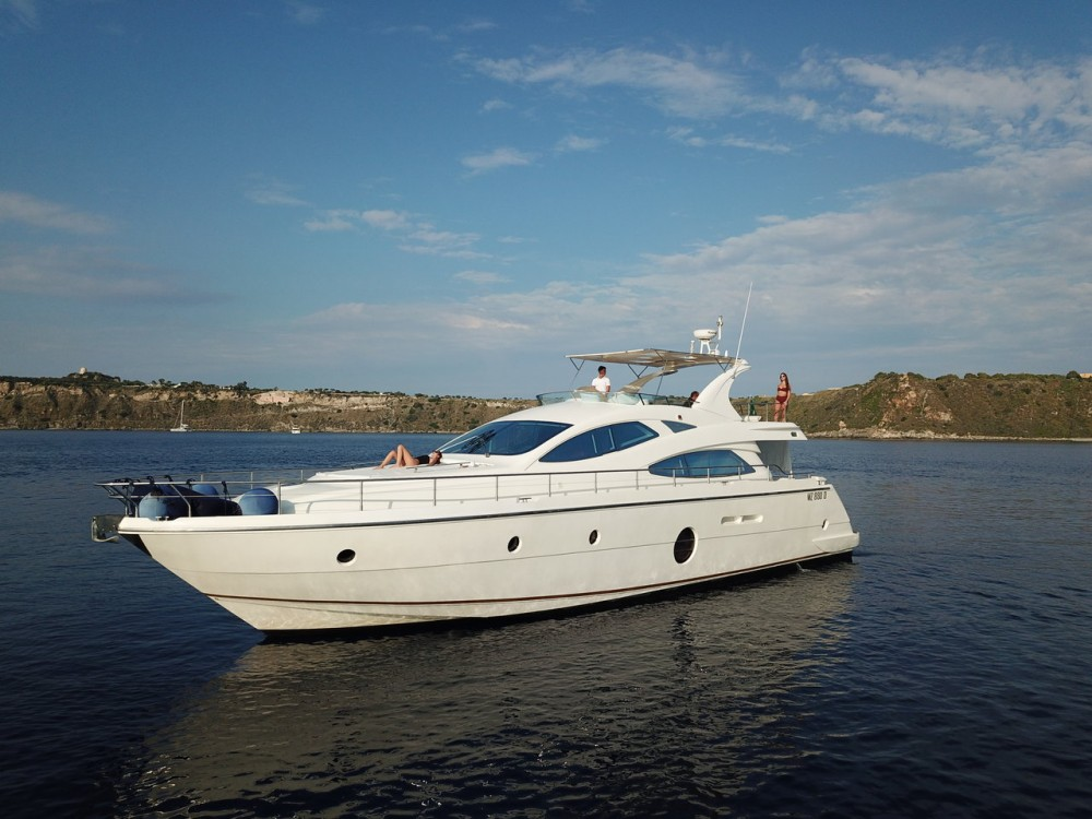 Rental Motorboat Aicon-Yachts with a permit