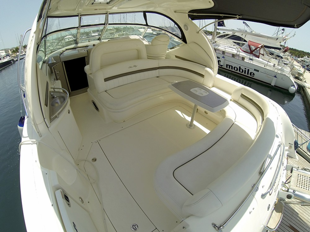 Rental Motorboat Sea-Ray-Boats with a permit