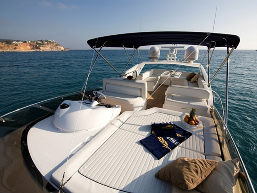 Hire Motor boat with or without skipper Sunseeker-International