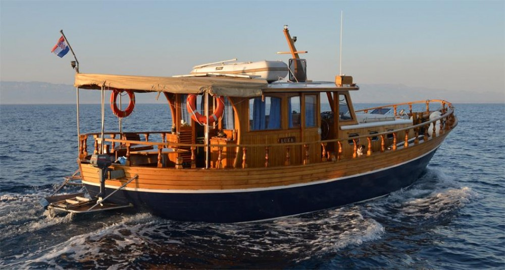 Hire Motorboat with or without skipper Custom Made Grad Zadar