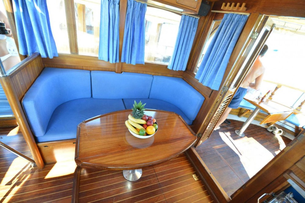 Rent a Custom Made Yacht LUKA Grad Zadar