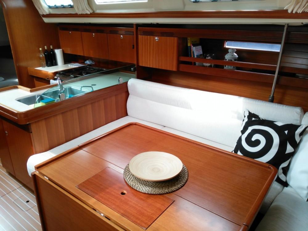 Boat rental Dufour Dufour 44 in Croatie on Samboat