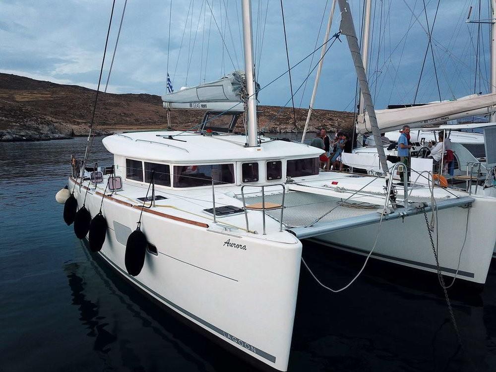 Boat rental Lagoon Lagoon 400 in Peloponnese on Samboat