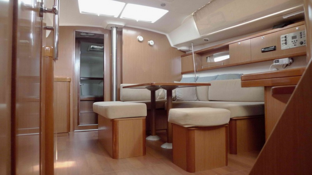 Boat rental Peloponnese cheap Oceanis 43