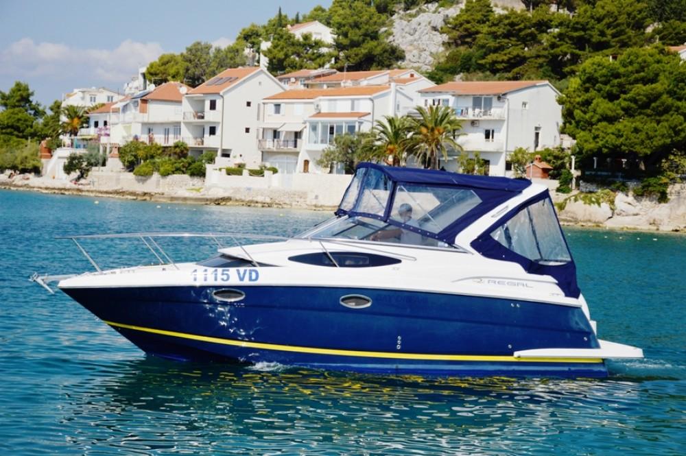 Boat rental Regal-Boats Regal Commodore 2860 in Tribunj on Samboat