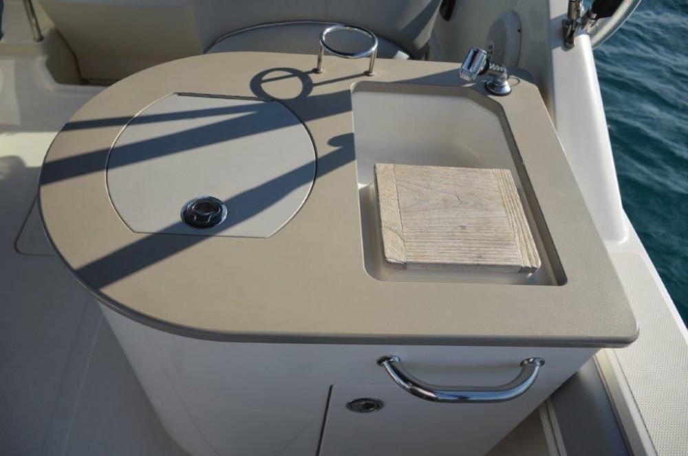 Boat rental Sea-Ray-Boats Sea Ray 275 Amberjack in  on Samboat