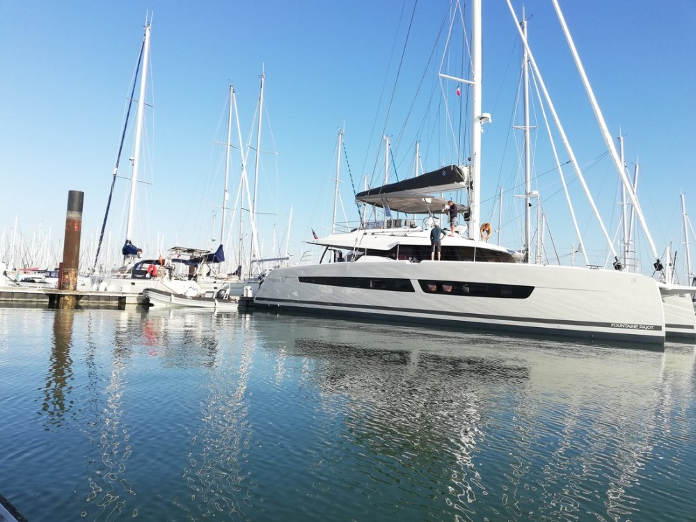 Hire Catamaran with or without skipper Fountaine Pajot Porto di Castellammare di Stabia