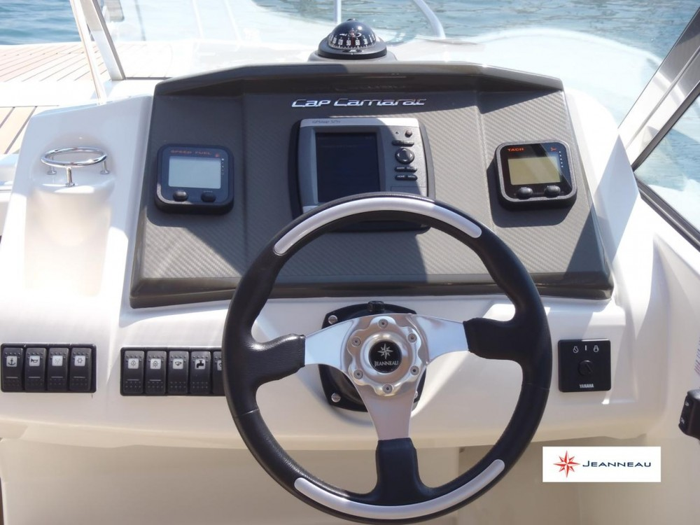 Boat rental  cheap Cap Camarat 7.5 DC