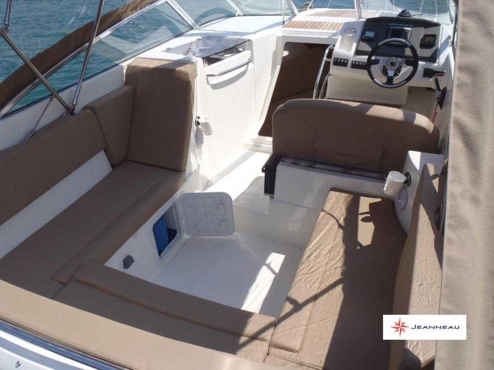 Boat rental Jeanneau Cap Camarat 7.5 DC in  on Samboat