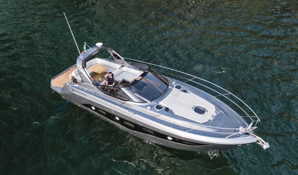 Rental Motorboat in Podstrana - Cranchi Z 35