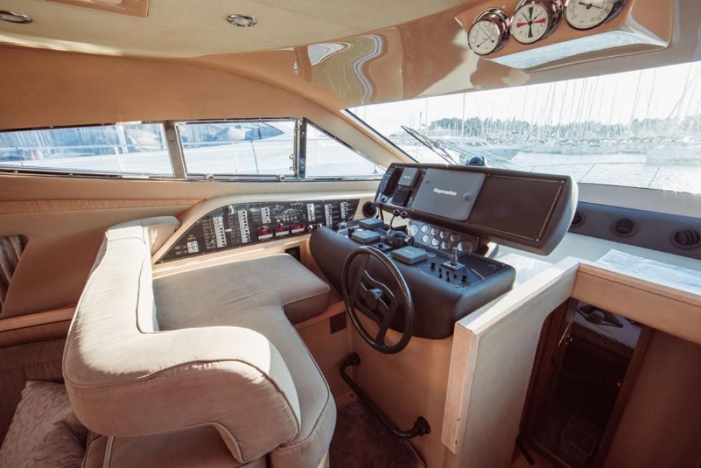 Ferretti-Yachts-Group Ferretti 460i between personal and professional Split